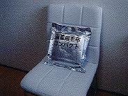 備蓄用コンパクト毛布 ドライクリーニングができるので、くりかえし何度でも使えます ラコントゥル